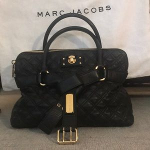 Marc Jacobs black lambskin quilted purse.